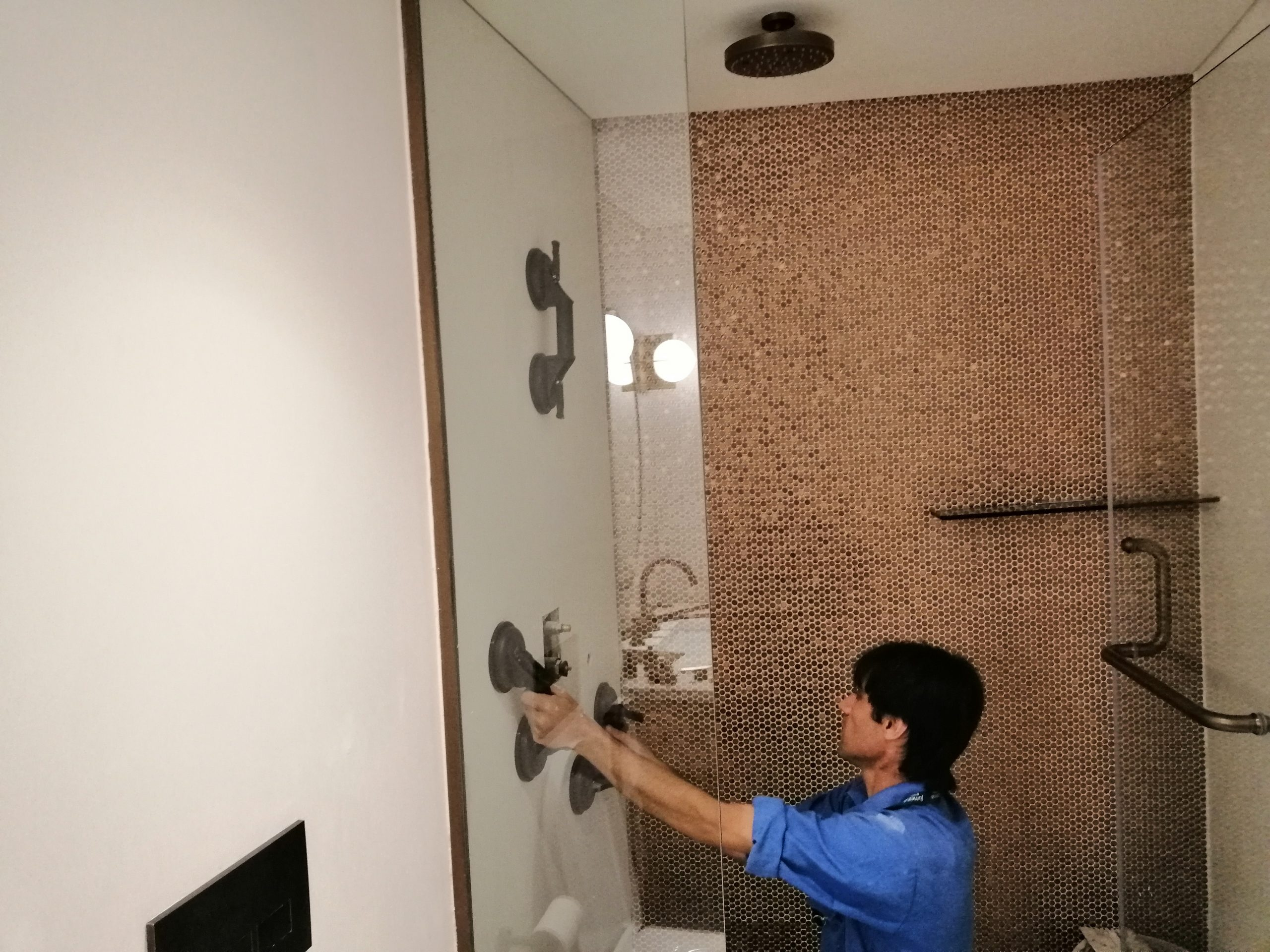 Marble Cladding/Wall Covering in Suite Room Washrooms at JBH